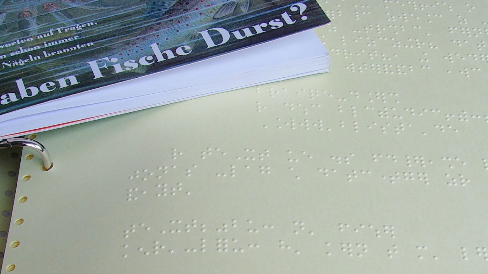 Braille_book